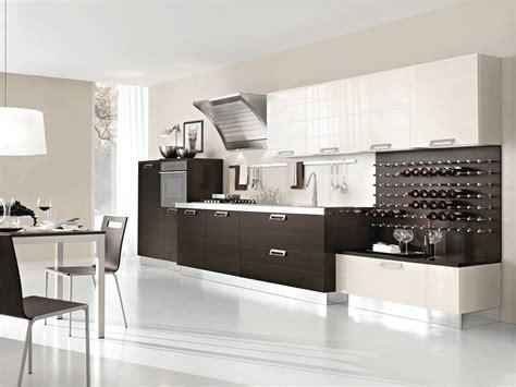 Cucine con cappa grande Moderne e classiche Cose di Casa