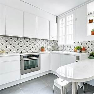 Credence Cuisine Moderne : cuisine cr dence en carreaux de ciment c t maison ~ Dallasstarsshop.com Idées de Décoration
