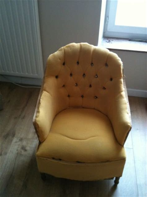 recouvrir un fauteuil crapaud fauteuil crapaud madebydom