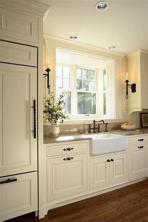 white cabinets with black hardware 30 spectacular white kitchens with dark wood floors