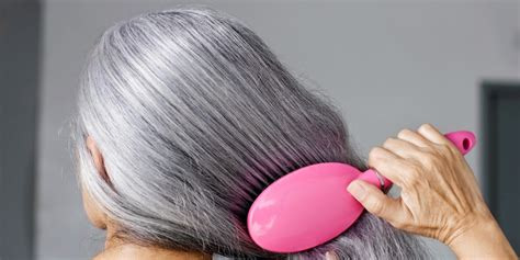 Hair Turning Naturally by Wheatgrass Has The Ability To Turns Gray Hair Back To Its