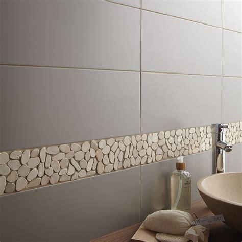 carrelage salle de bain photos galets sol et mur riviera blanc leroy merlin