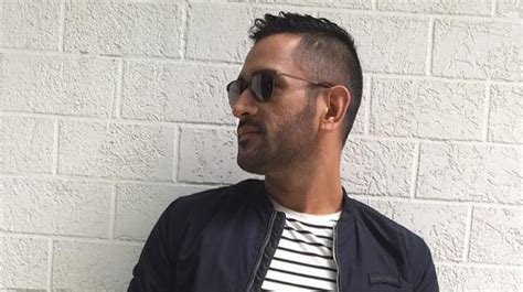 ms dhoni opts  retro    rocks   hawk