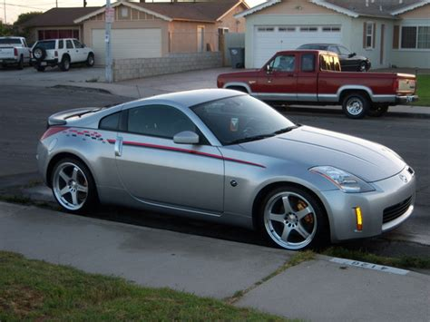 3ofmyown 2004 Nissan 350z Specs, Photos, Modification Info