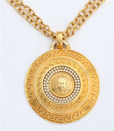 gianni versace large medallion pendant necklace