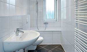Bad Renovieren Fliesen überkleben : bad sanieren ~ Frokenaadalensverden.com Haus und Dekorationen