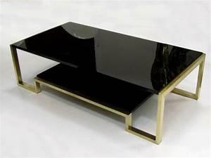 Elégante table basse en laiton et laque noire, époque 1970