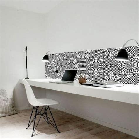 faire un bureau avec une planche photos de conception de