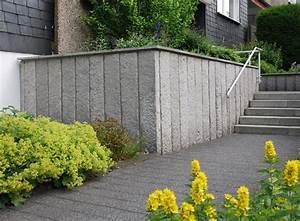 L Steine Verkleiden : bestehende l stein mauer in velbert mit granit stelen verkleidet klo garten und ~ Frokenaadalensverden.com Haus und Dekorationen