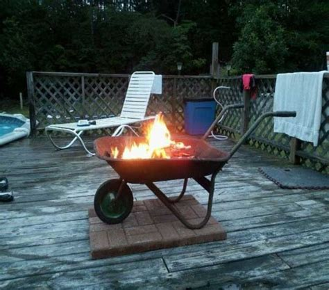 cool ways  repurpose wheelbarrows   blow