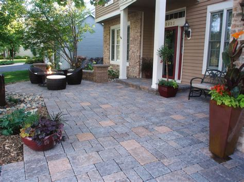 Paver Patio Ideas Diy by 10 Ways To Upgrade Your Outdoor Spaces Diy Patio And