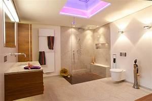 Kleines Designer Bad : luxus im badezimmer ~ Sanjose-hotels-ca.com Haus und Dekorationen