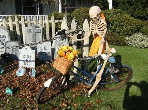 incredibly creepy outdoor decorating ideas  halloween