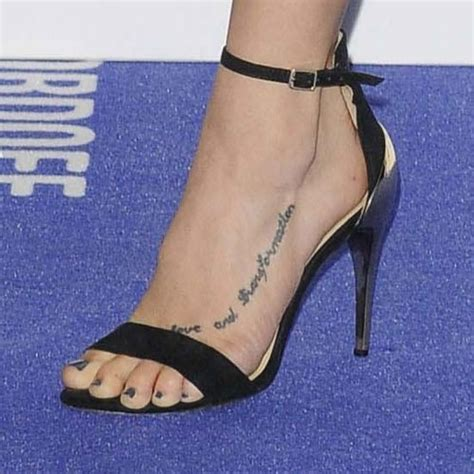 ashley roberts  tattoos meanings steal  style