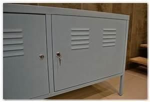 Meuble Avec Serrure : meuble tv metal gris id es de d coration int rieure french decor ~ Teatrodelosmanantiales.com Idées de Décoration