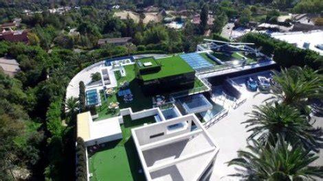 voici la maison la  chere du monde  millions  bel air californie sur orange