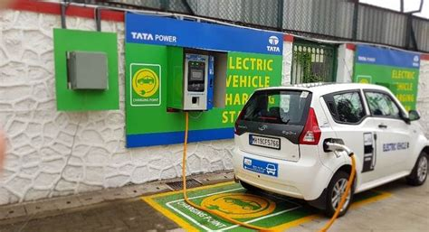 Electric Car Charging Stations by Mumbai Gets Its Electric Vehicle Charging Station
