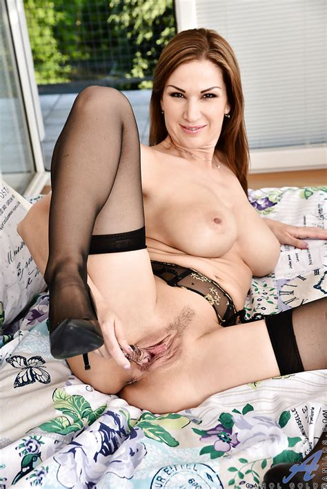 Busty Milf In Black Lingerie Carol Gold Masturbates With
