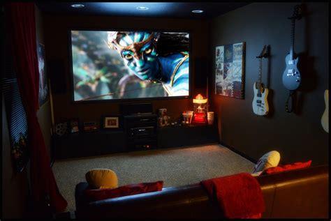 Home Theater Bedroom Design Ideas by El Cine En Casa Nunca Pasa De Moda Bugavi