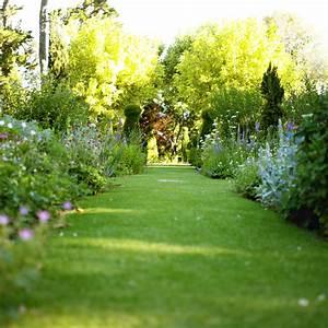 4 idees pour cloturer son jardin selon ses besoins With lovely idees de jardins paysagers 3 jardin anglais idees et conseils pour lamenagement de