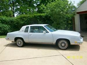Sell used 1982 Oldsmobile Cutlass Supreme Base Coupe 2 ...