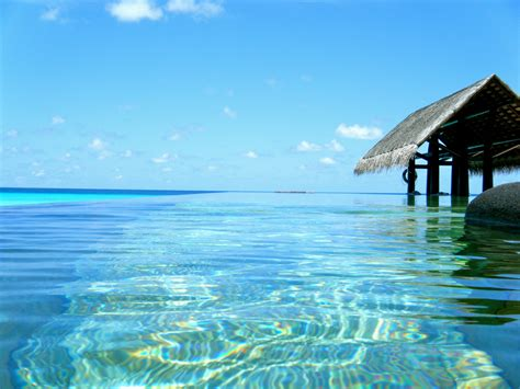 Infinity Pool | The One & Only Resort Reethi Rah. Maldives ...