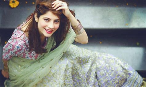 Neelam Muneer Looks Like Royalty At Her Sisters Reception