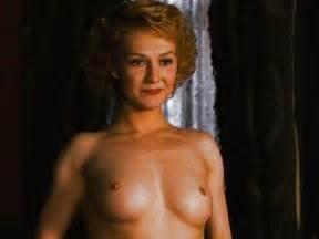 Arlene Dahl  nackt