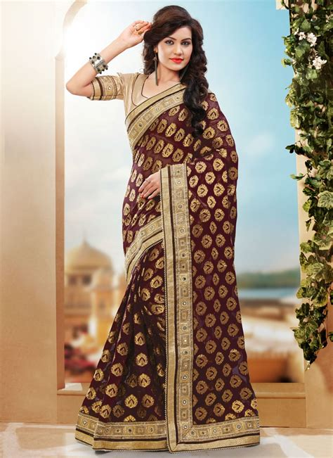 Pure gadwal silk saree with contrast blouse piece. Shop Refreshing Beads Work Coffee Brown Color Wedding Saree Online