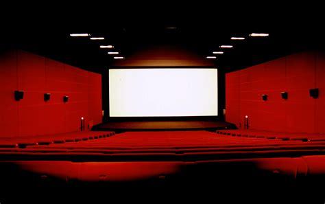siege ugc hors ch la numérisation des salles de cinéma