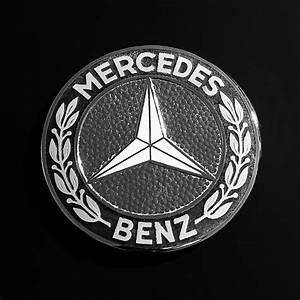 Mercedes Benz Emblem : mercedes benz 190sl emblem photograph by jill reger ~ Jslefanu.com Haus und Dekorationen