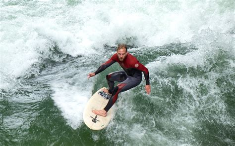 Englischer Garten Surfers by How To Spend A Weekend In Munich In The Sun Or On