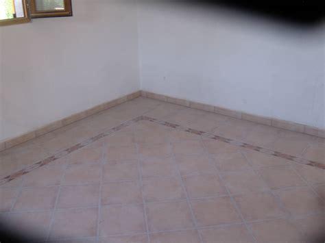 r 233 alisation d un tapis en carrelage avec pose en diagonal 224 st paul en foret dans le var 83