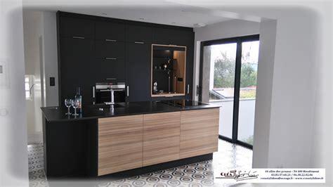 cuisine plan de travail noir photos de cuisines réalisées sur mesures et installées sur