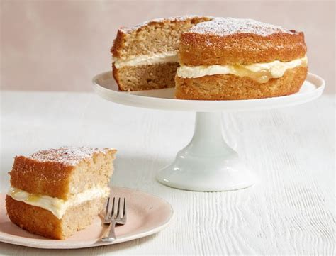 Coffee and walnuts go particularly well together, but you can you don't have to be a coffee fan to like coffee and walnut cake, especially when it's a mary berry recipe! Mary Berry's apple and lemon sandwich cake - Silversurfers in 2020 | Coffee and walnut cake ...