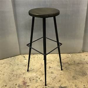 Chaise Bar Industriel : tabouret haut de bar industriel meubles industriel ~ Farleysfitness.com Idées de Décoration