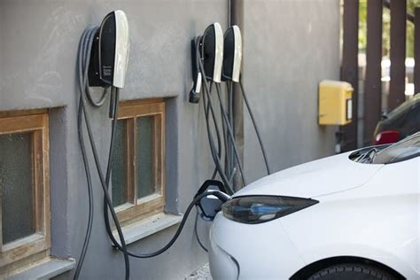 anschluss elektroauto garage ladestation zu hause einrichten