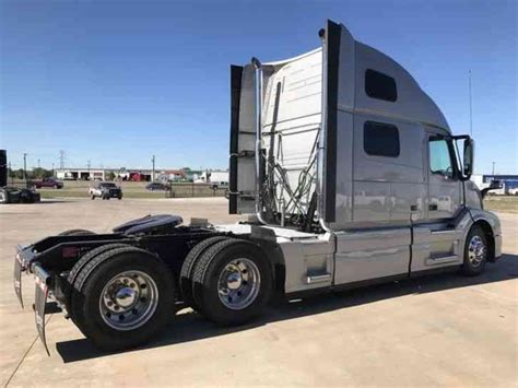 2016 volvo semi truck for sale volvo 780 2016 daycab semi trucks