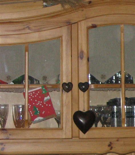 blanchir en cuisine peindre des meubles bois vernis conseils décoration poncer