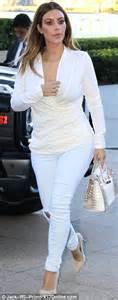Kendall Jenner photobombs sister Kim Kardashian's 'booty ...