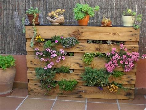 Wow I Want To Make Diy Recycled Pallet Vertical Garden For