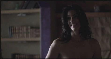 Liz McGeever  nackt
