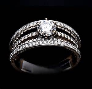 Band with Solitaire Diamond Ring