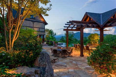 Rustic Outdoor Space With Infinity Pool And Kitchen Hgtv