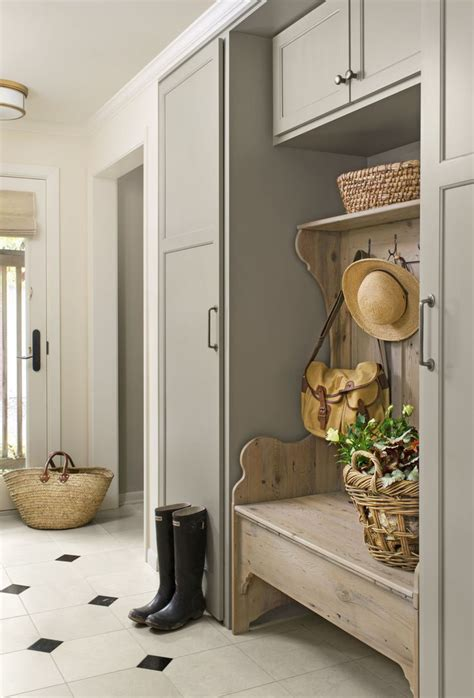 mudroom paint color 25 best ideas about entryway paint colors on
