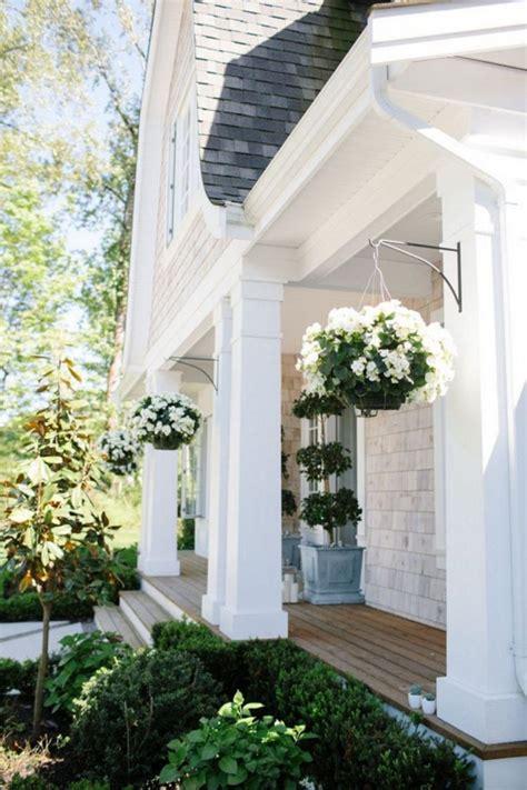 55+ Elegant Farmhouse Exterior For Excellent Home Ideas