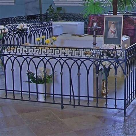 tomb  tsarina maria feodorovna  tsar alexander iii