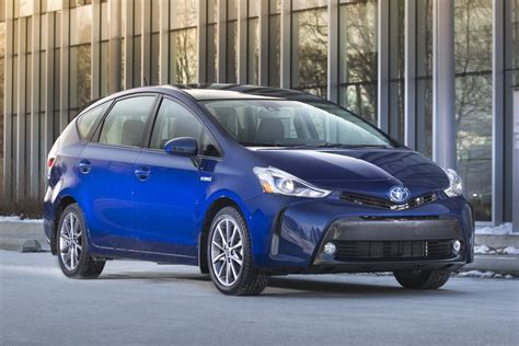 Restyled 2015 Toyota Prius V Posts Big Numbers In