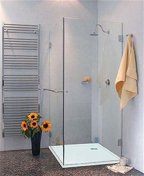 dusche mit duschwanne glas duschabtrennung komplett mit