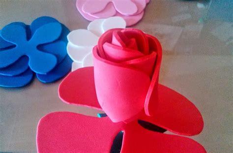 Rosa de goma eva o foami Manualidades en Goma Eva y Foami